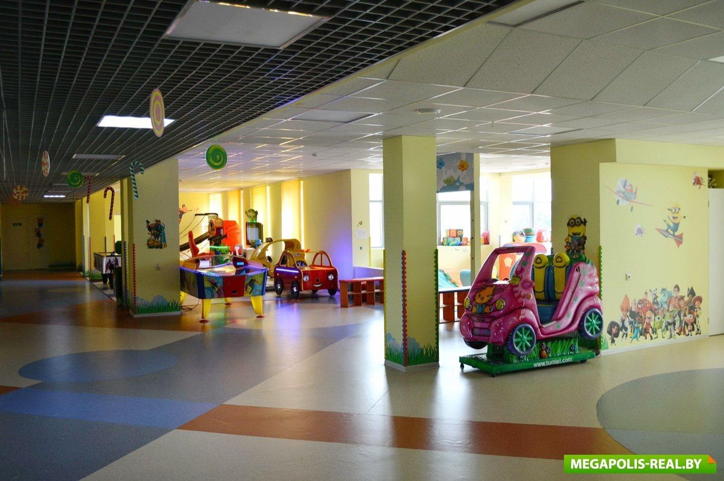 В декабре прошлого года открылся единственный в Боровлянах детский  развлекательный центр «Мармеленд», здесь же «Papa John s» открывает детское  кафе . 48b885f25c9